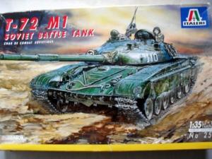 ITALERI 1/35 251 T-72 M1 SOVIET BATTLE TANK
