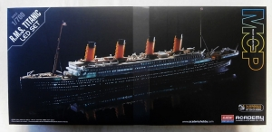 ACADEMY 1/700 14220 R.M.S. TITANIC WITH LED SET