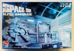 AMT  30067 SPACE 1999 ALPHA MOONBASE