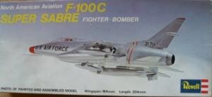 REVELL  H127 NORTH AMERICAN AVIATION F-100C SUPER SABRE