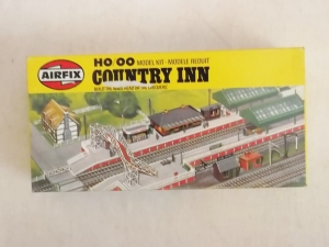 AIRFIX AIRFIX HO/OO TRACKSIDE  03618 COUNTRY INN