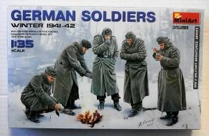 MINIART 1/35 35218 GERMAN SOLDIERS WINTER 1941-42