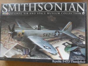REVELL 1/32 4452 P-47D BUBBLE SMITHSONIAN