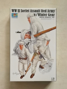TRUMPETER 1/35 00414 WWII SOVIET ASSAULT RED ARMY WITH WINTER GEAR