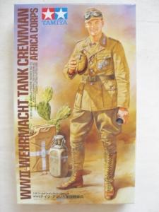 TAMIYA 1/16 36310 WWII WEHRMACHT TANK CREWMAN AFRICA CORPS
