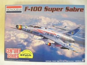 MONOGRAM 1/48 5496 F-100 SUPER SABRE