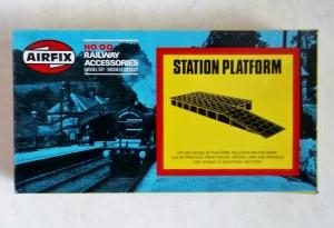 AIRFIX HO/OO 03611 STATION PLATFORM