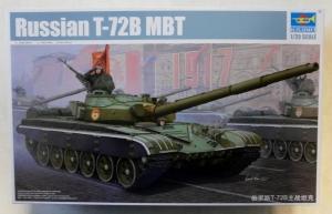 TRUMPETER 1/35 05598 RUSSIAN T-72B MBT