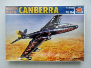 ITALERI 1/72 144 MARTIN B-57B CANBERRA
