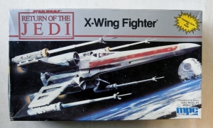 MPC  8918 STAR WARS RETURN OF THE JEDI X WING FIGHTER