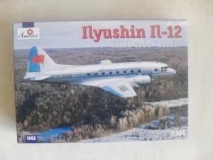 A MODEL 1/144 1443 ILYUSHIN IL-12