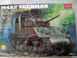 ACADEMY 1/35 13203 M4A2 SHERMAN US MARINES