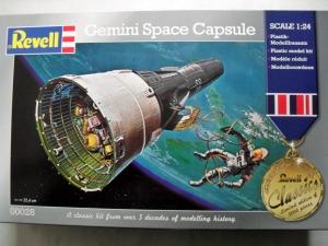 REVELL 1/24 00028 GEMINI SPACE CAPSULE