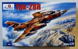A MODEL 1/72 72091 YAK-28R