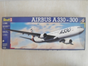 REVELL 1/144 04220 AIRBUS A330-300