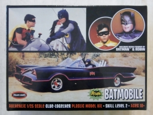 POLAR LIGHTS 1/25 920 BATMOBILE WITH BATMAN   ROBIN FIGURES