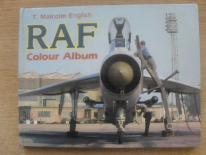 CHEAP BOOKS  ZB298 RAF COLOUR ALBUM  1986