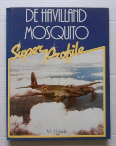CHEAP BOOKS  ZB014 De HAVILLAND MOSQUITO SUPER PROFILE