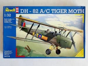 REVELL 1/32 04704 DE HAVILLAND DH-82A/C TIGER MOTH
