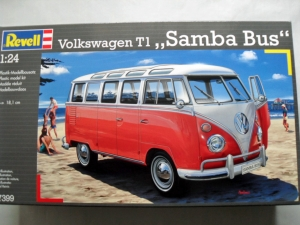 REVELL 1/24 07399 VOLKSWAGEN T1 SAMBA BUS