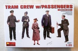 MINIART 1/35 38007 TRAM CREW WITH PASSENGERS