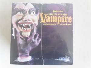 MPC  723 HAUNTED GLO-HEAD VAMPIRE