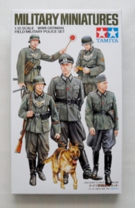 TAMIYA 1/35 35320 WWII GERMAN FIELD MILITARY POLICE SET