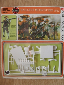 AIRFIX 54mm 01560 ENGLISH MUSKETEER 1642