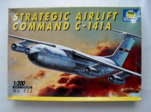 ITALERI 1/200 853 C-141A STRATEGIC AIRLIFT COMMAND