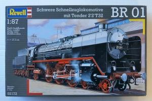 REVELL 1/87 02172 SCHWERE SCHNELLZUGLOKOMOTIVE BR 01 WITH TENDER 2 2 T32