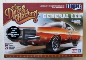 MPC 1/25 817 THE DUKES OF HAZZARD GENERAL LEE
