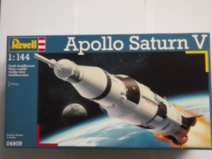 REVELL 1/144 04909 APOLLO SATURN V