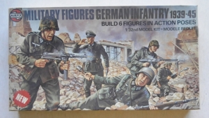 AIRFIX 1/32 03582 GERMAN INFANTRY 1939-45  6 FIGURES