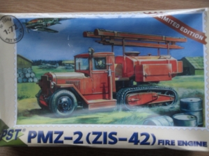 PST 1/72 72048 PMZ-2  ZIS-42  FIRE ENGINE