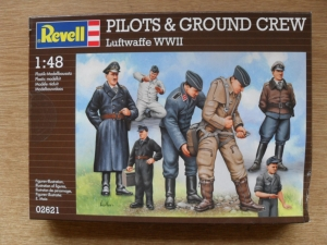 REVELL 1/48 02621 LUFTWAFFE WWII PILOTS   GROUNDCREW