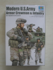 TRUMPETER 1/35 00424 MODERN US ARMY ARMOUR CREWMAN   INFANTRY