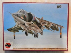 AIRFIX  J0506 HAWKER HARRIER 500 PIECE JIGSAW
