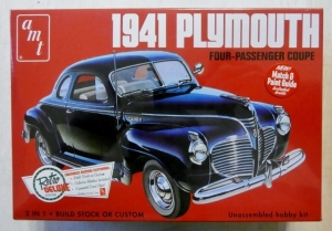AMT 1/25 919 1941 PLYMOUTH
