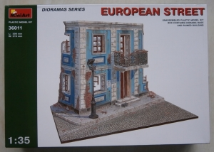 MINIART 1/35 36011 EUROPEAN STREET