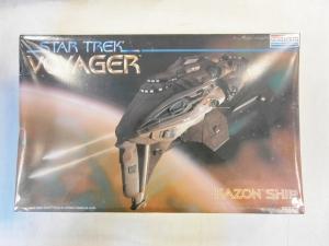 MONOGRAM  3606 STAR TREK VOYAGER KAZON SHIP
