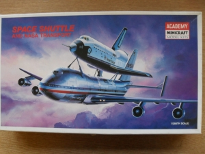 ACADEMY  1640 SPACE SHUTTLE/747 1/288