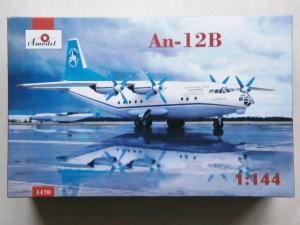 A MODEL 1/144 1470 An-12B