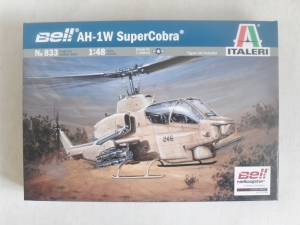 ITALERI 1/48 833 AH-1W SUPER COBRA