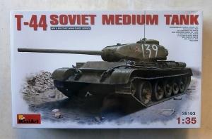 MINIART 1/35 35193 T-44 SOVIET MEDIUM TANK