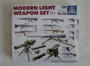 ITALERI 1/35 421 MODERN LIGHT WEAPON SET