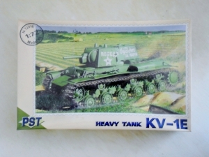 PST 1/72 72016 KV-1E