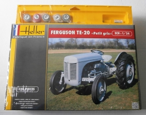 HELLER 1/24 81401 FERGUSON TE-20 PETIT GRIS TRACTOR GIFT SET