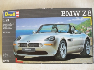 REVELL 1/24 07382 BMW Z8