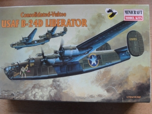 MINICRAFT 1/72 11612 CONSOLIDATED-VULTEE USAF B-24D LIBERATOR