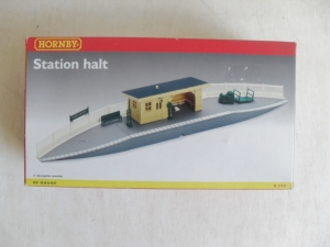HORNBY OO R.590 STATION HALT
